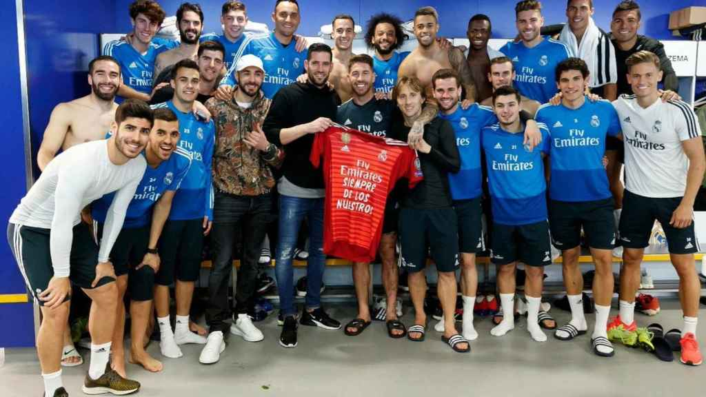 Despedida del vestuario del Real Madrid a Kiko Casilla. Foto: Twitter (@SergioRamos)