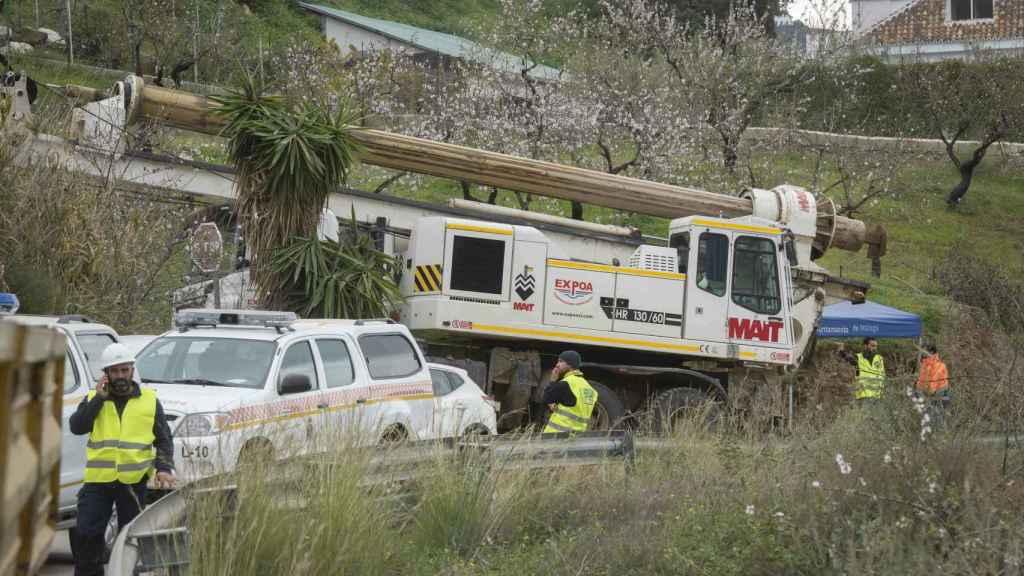Parte de la maquinaria que participa en el complejo rescate de Julen.