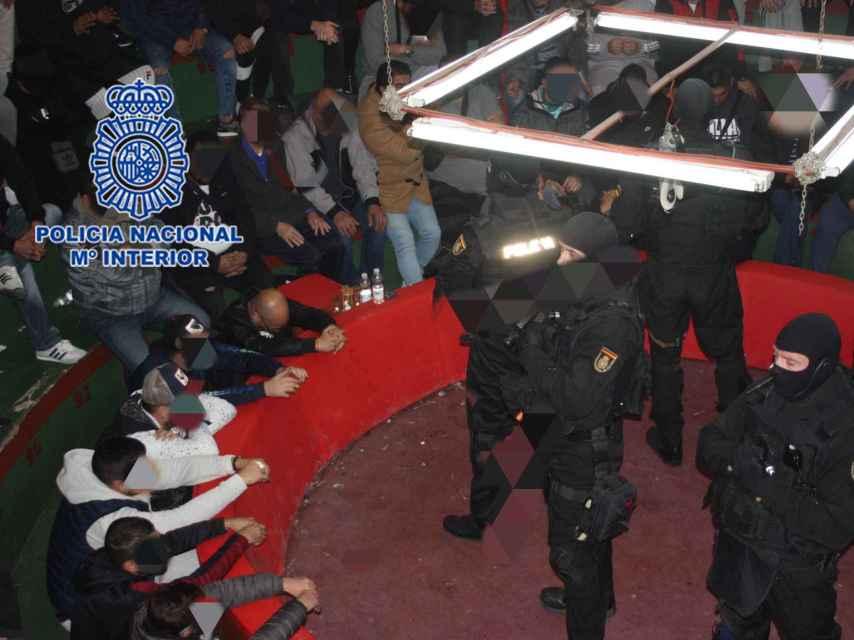 Despliegue policial durante la operación en el Rancho de los Canasteros