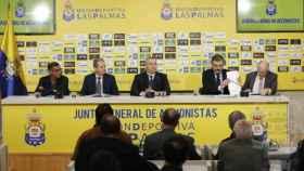 La junta de la UD Las Palmas ante la prensa. Foto: udlaspalmas.es