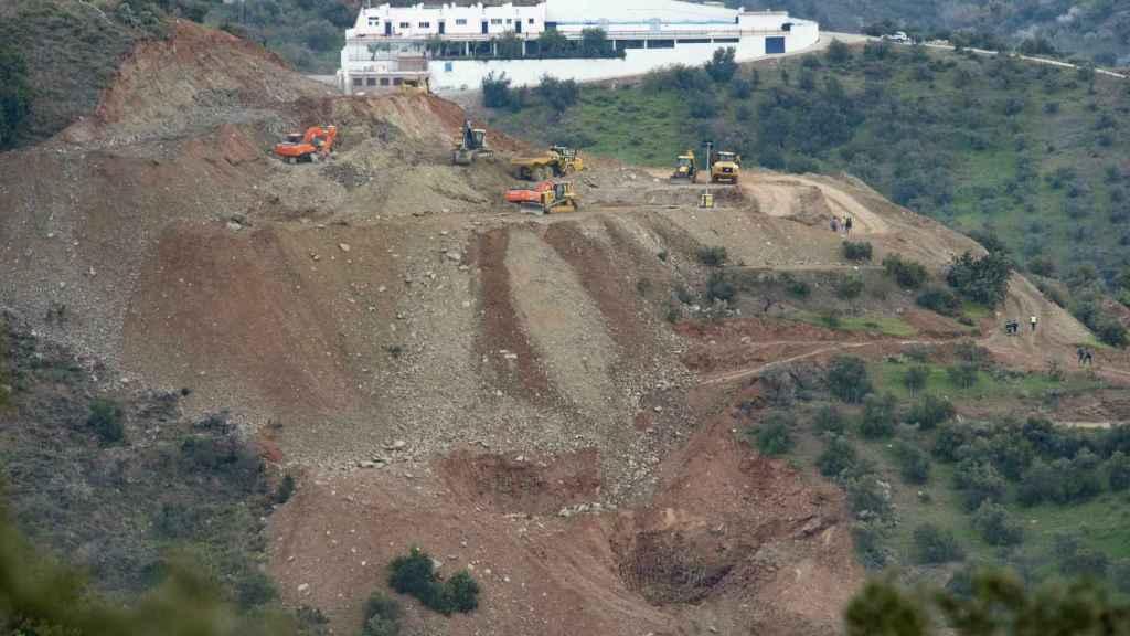Maquinaria pesada participando en las labores de rescate de Julen en Totalán (Málaga).