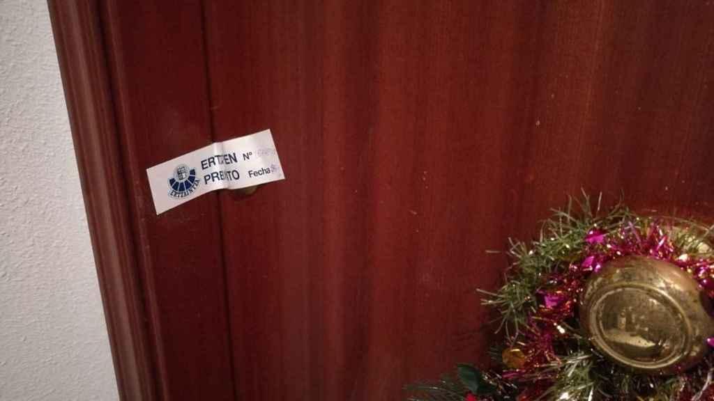 Puerta de la vivienda donde ocurrió el caso.