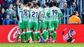 El Betis celebra uno de los goles al Girona