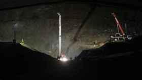 Los trabajos han terminado esta tarde-noche y el equipo de mineros puede ya empezar su labor.