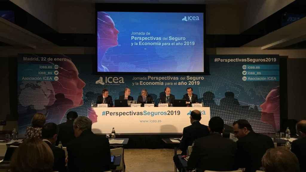 Jornada Perspectivas para el seguro y la economía para 2019, organizada por ICEA.