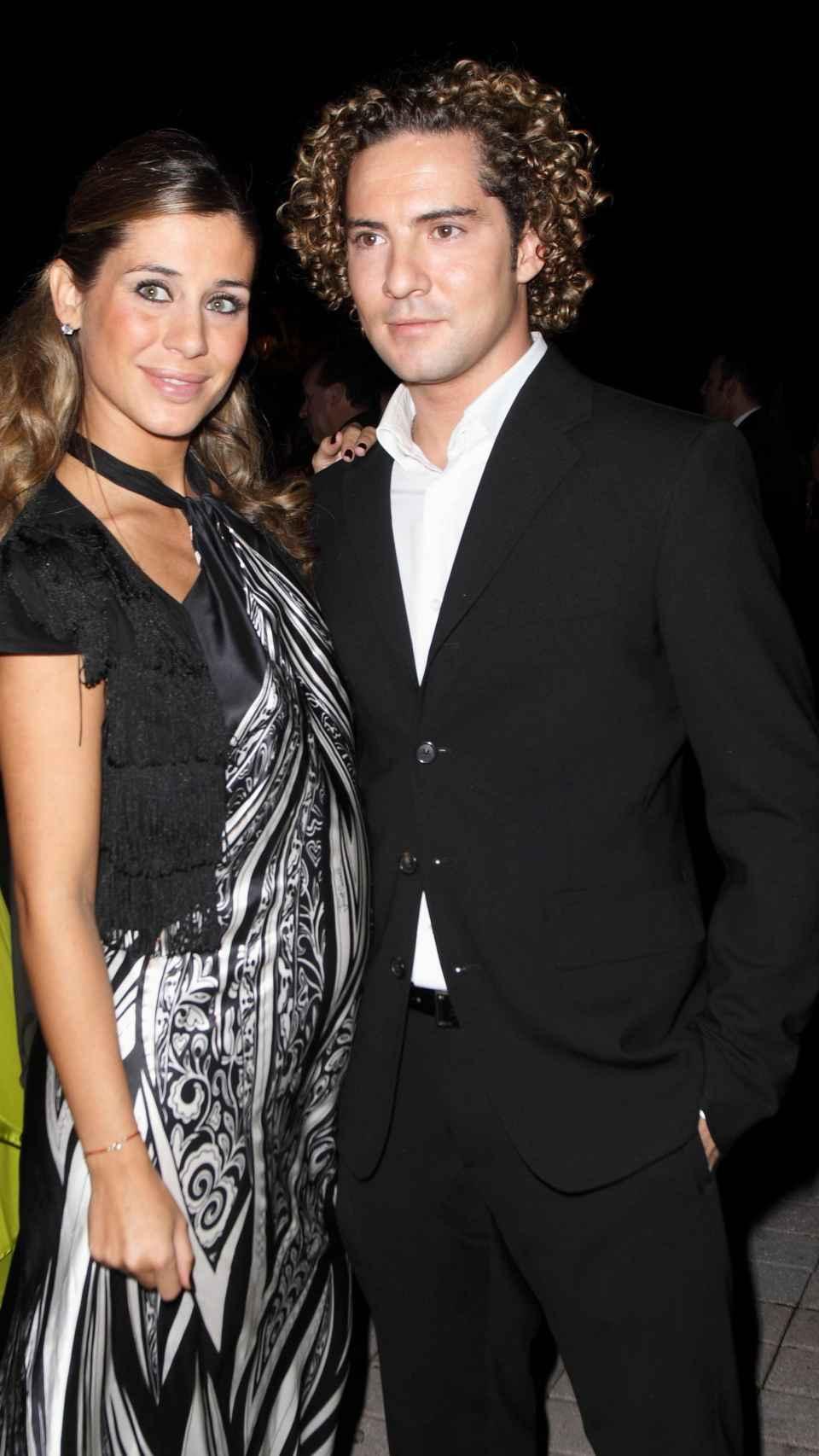 Elena junto a David Bisbal.
