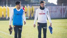 Falcao y Cesc Fàbregas durante un entrenamiento del Mónaco. Foto: Twitter (@AS_Monaco)