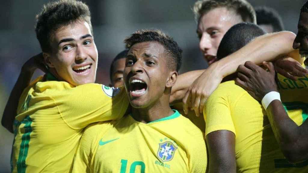 Rodrygo celebra un gol de su selección. Foto: Twitter. (@CONMEBOL)
