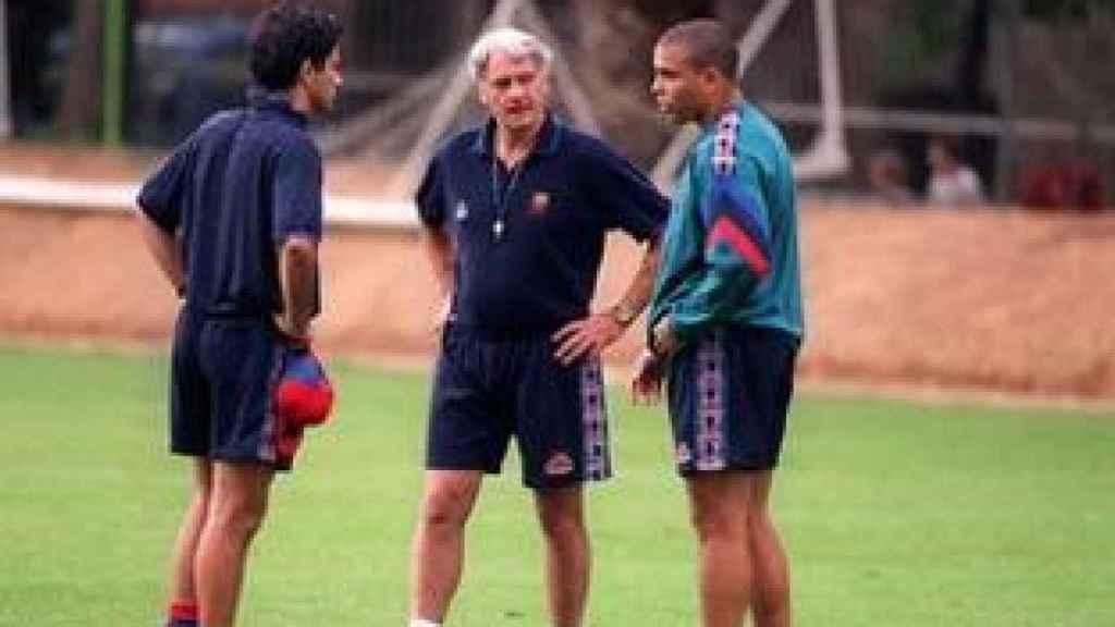 Mourinho junto a Bobby Robson y Ronaldo en el Barcelona. Foto: fcbarcelona.es
