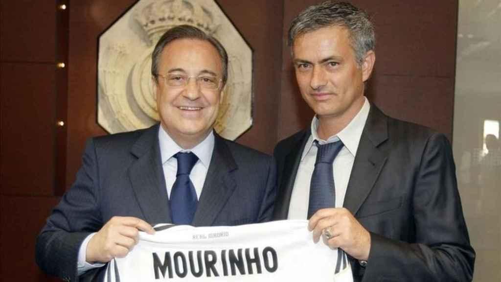 Florentino Pérez y José Mourinho, en su presentación como entrenador del Madrid