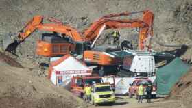 Excavadoras trabajan en la operación de rescate a Julen.