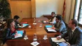 Reunión de representantes de los comuns y del Govern de Cataluña para negociar los Presupuestos.