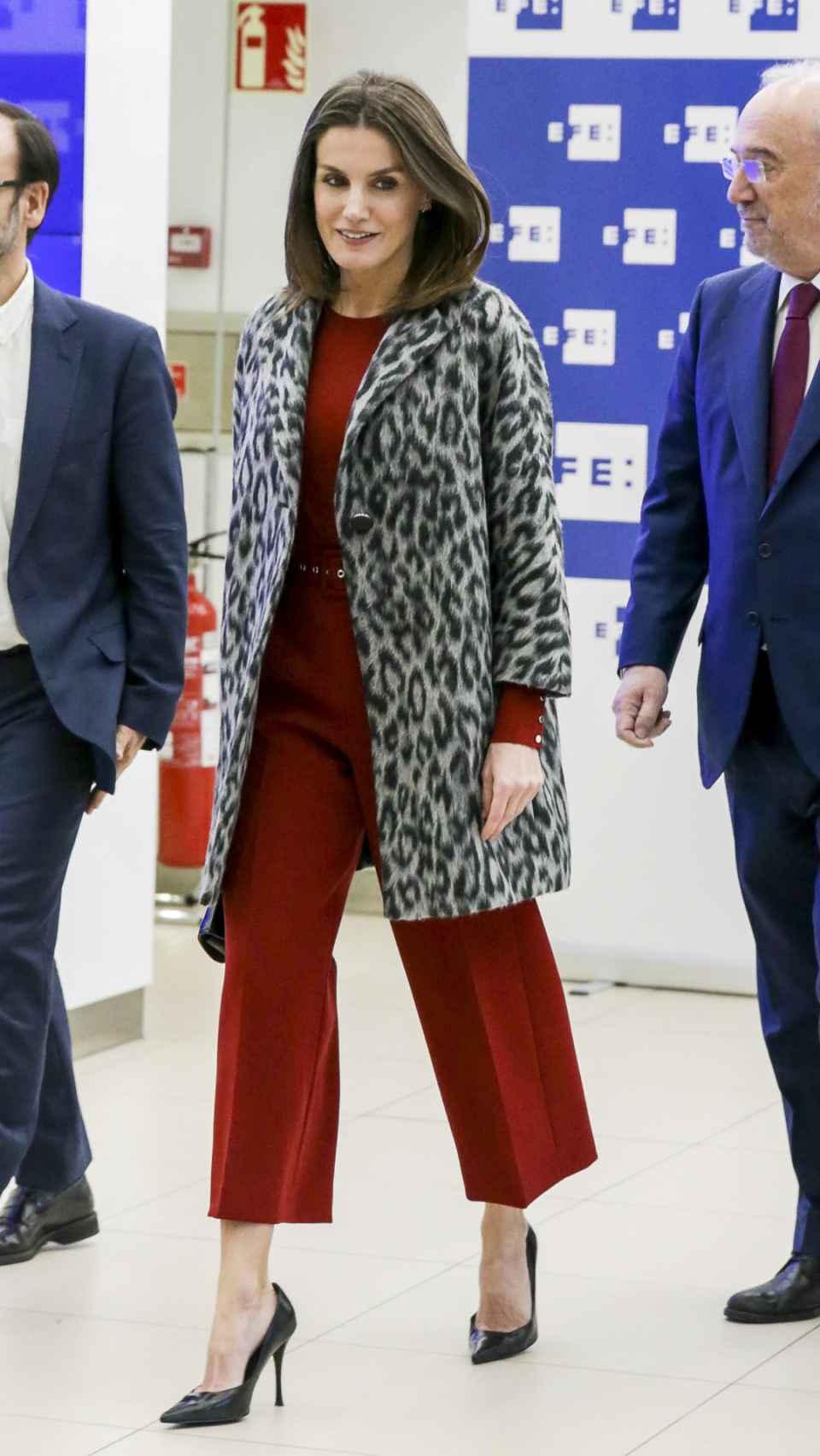 La reina Letizia con 'outfit' de Hugo Boss.