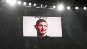 Homenaje a Emiliano Sala en el Arsenal - Cardiff