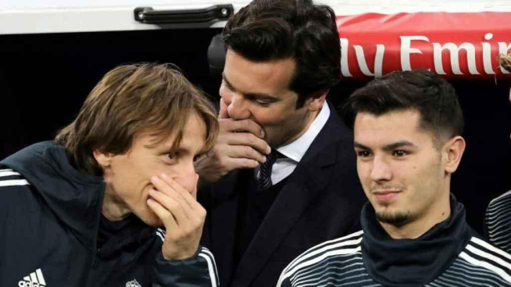 Modric, Solari y Brahim en el banquillo