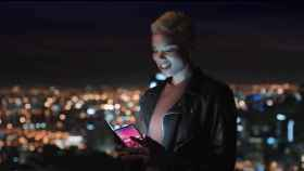 A Samsung se le escapa un móvil plegable en un misterioso vídeo