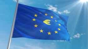 Bandera de la Unión Europea con el símbolo del euro.