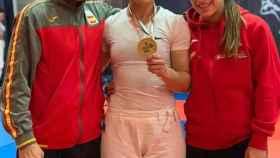 Sara Rodríguez, posa con su medalla de oro. Foto: Twitter. (@AytoBrunete)