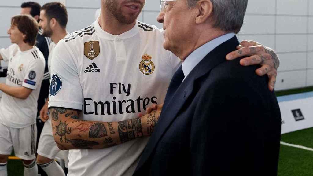 Sergio Ramos habla con Florentino Pérez