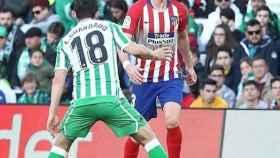 Filipe Luis durante el Betis-Atlético de Madrid. Foto Instagram: (@filipeluis)