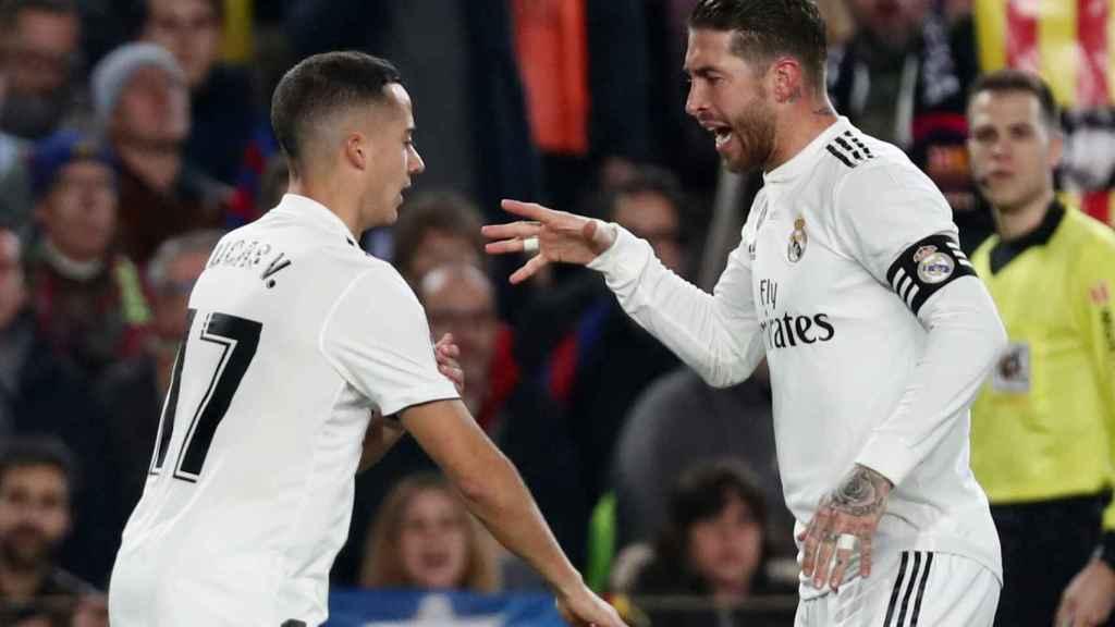 Sergio Ramos y Lucas Vázquez celebran el gol del Real Madrid