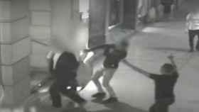 Captura de pantalla de un vídeo difundido por los Mossos sobre una banda de 'relojeros' en Barcelona