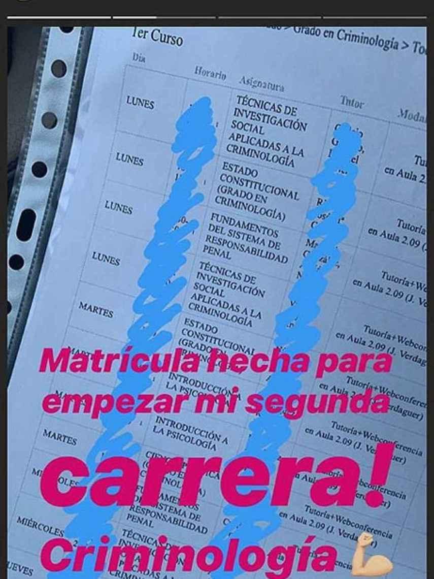 Captura InstaStories de Alba mostrando su calendario universitario.
