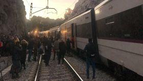 Trenes accidentados en Cataluña momentos después del choque.