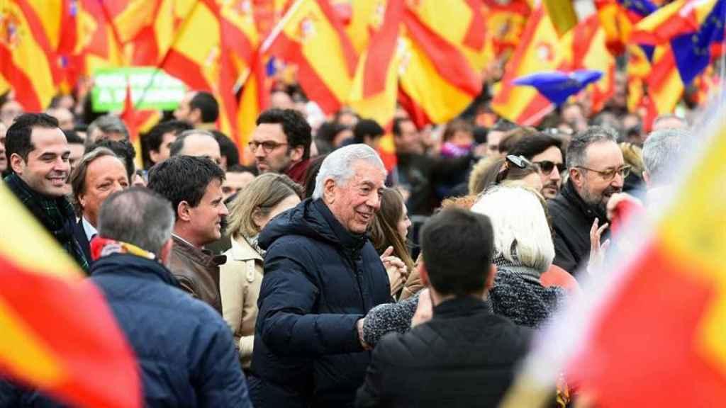 Mario Vargas Llosa, en la manifestación por la unidad de España