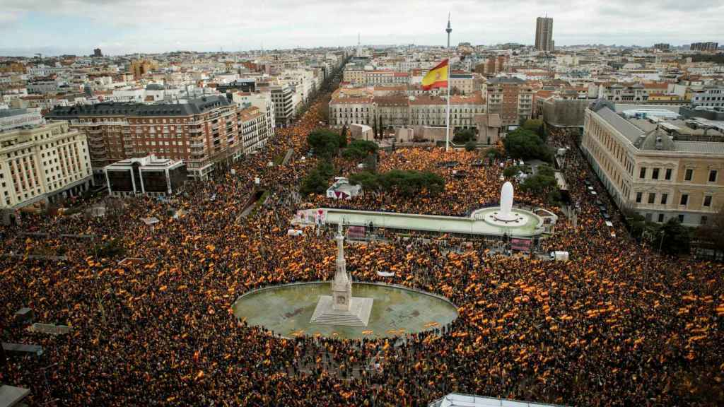 Vista panorámica de la concentración celebrada este domingo en Colón (Madrid).