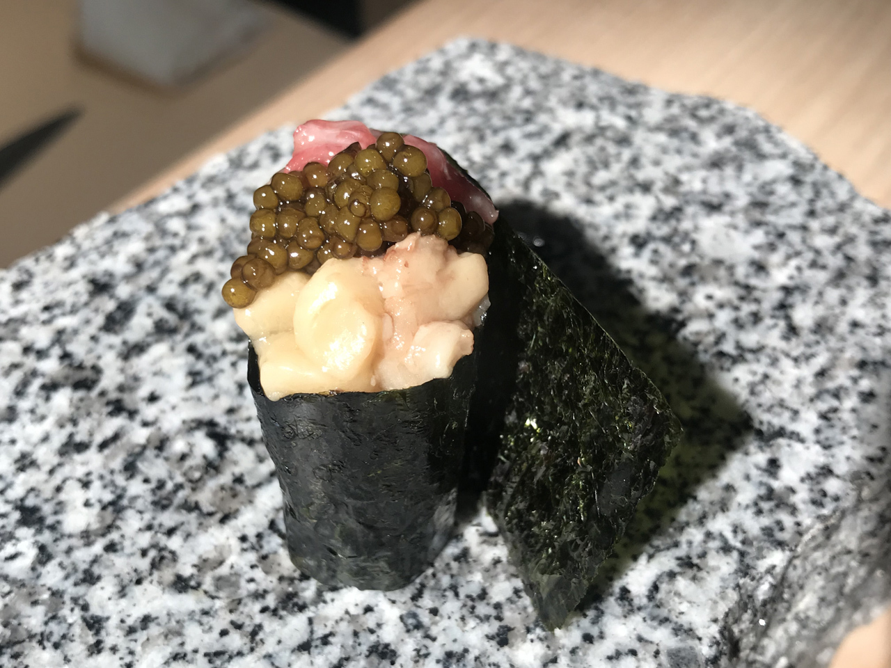 99 SUSHI Ko - gunkan toro, tuétano y caviar