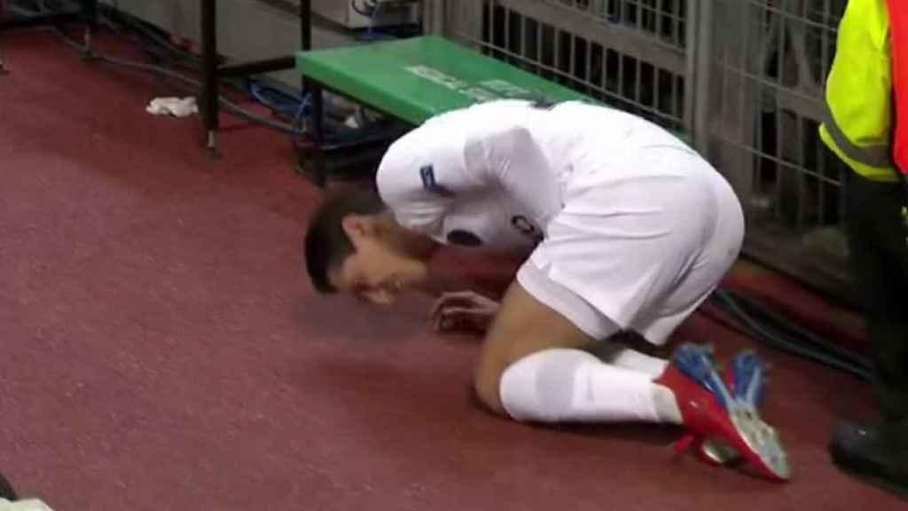 Di María, en el Manchester United - PSG. Foto: Twitter (@elchiringuitotv)