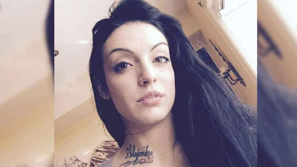 Sheila llevaba tatuado el nombre de su hijo de tres meses en la clavícula.
