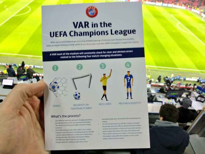 El VAR en la Champions League. Foto: Twitter (@Forjanes_AS)