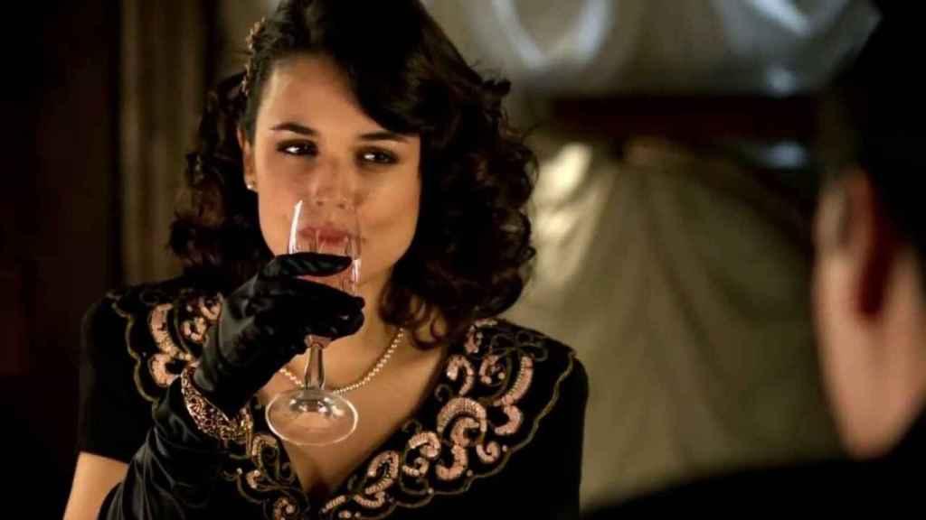 Adriana Ugarte en 'El tiempo entre costuras'.