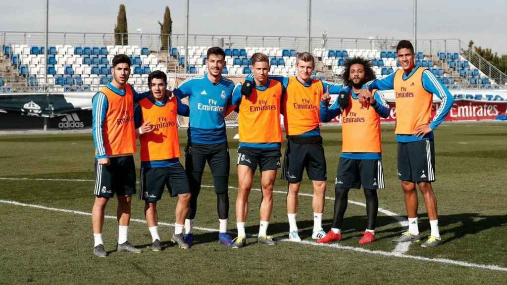 Altube, en un entrenamiento junto al primer equipo del Real Madrid. Foto: Twitter (@diego_altube)