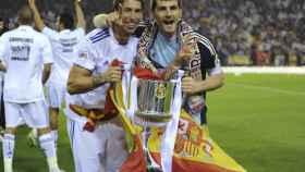 Sergio Ramos y Casillas celebran la Copa del Rey. Foto: sergioramos.com