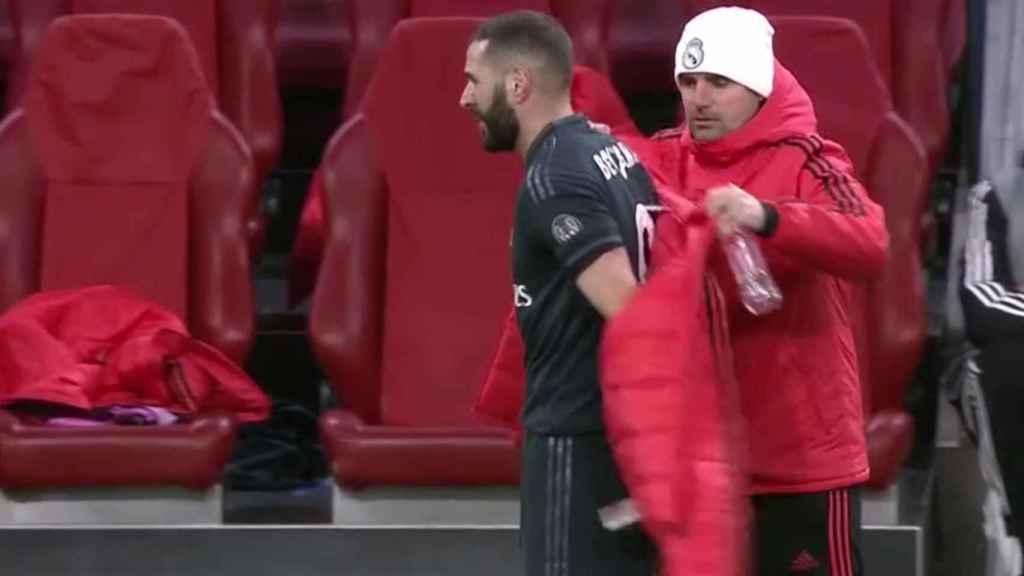Karim Benzema, deja el campo lesionado