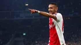 Hakim Ziyech celebra su gol al Real Madrid