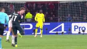 El Ajax pidió falta de Lucas antes del gol de Asensio