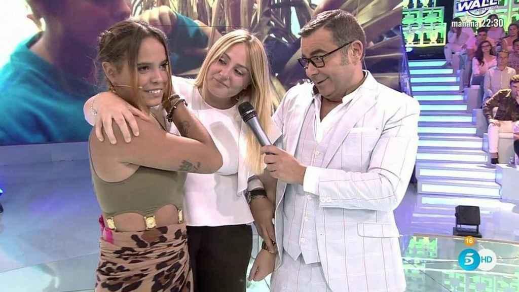 Rocío no dudó en acudir al plató de 'Supervivientes 2017' para recibir a su tía.