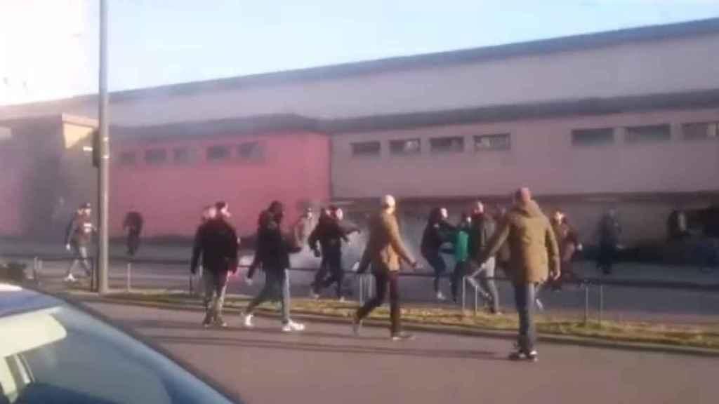 Pelea entre ultras del Betis en Rennes