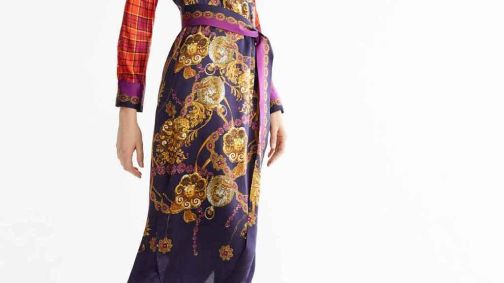 El vestido de inspiración 'Versace' está a punto de agotarse.