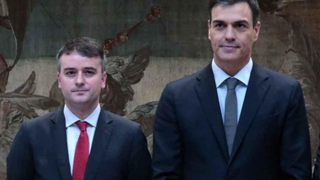 Iván Redondo, que coordinará el órgano,  y Pedro Sánchez.