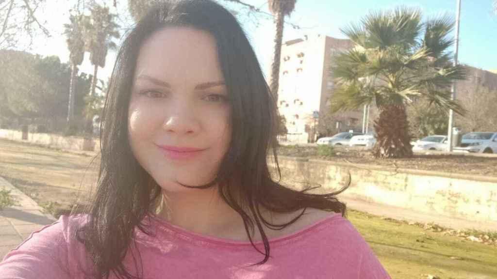 Rocío vive en Granada. Después de sufrir malos tratos, no le permitieron rehacer su vida.