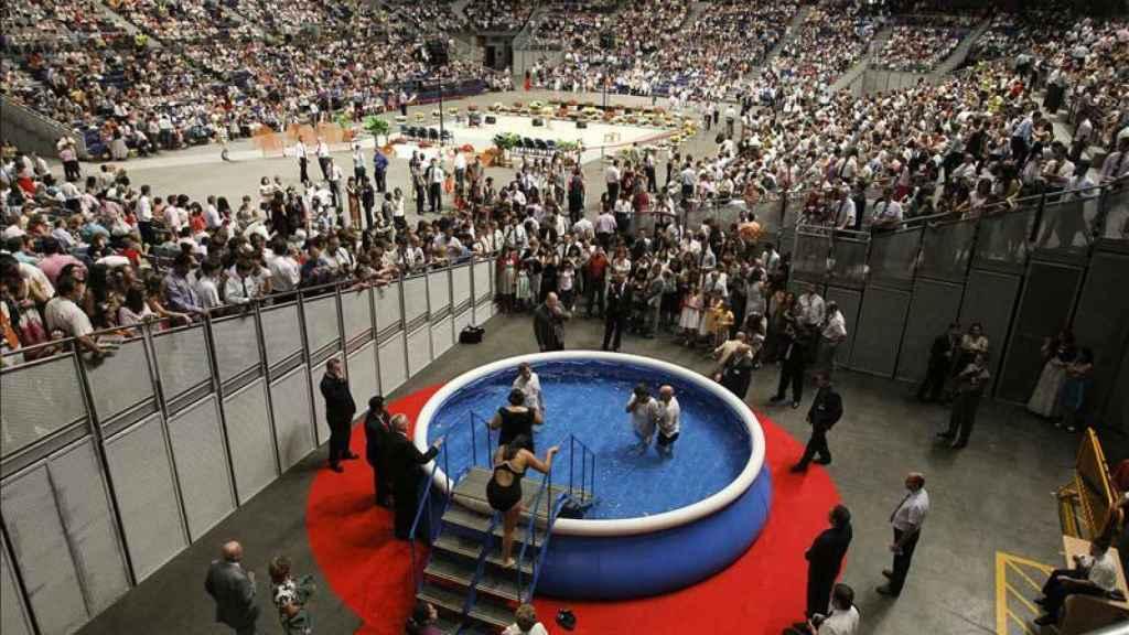 Reunión multitudinaria de los Testigos de Jehová en España.