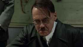 Bruno Ganz encarnando a Hitler en 'El Hundimiento'.