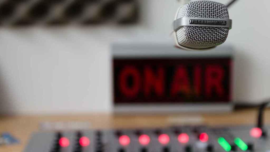 Déjate oir con tu propia radio online