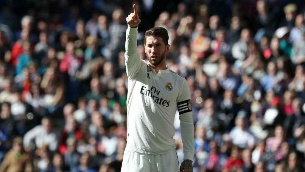 Sergio Ramos, dando órdenes a sus compañeros