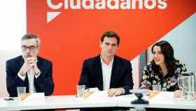 José Manuel Villegas, Albert Rivera e Inés Arrimadas, este lunes.